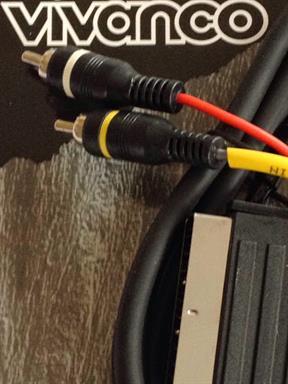 Audio-Video Vivanco Scart-Stecker auf 2x Cinch-Stecker RCA